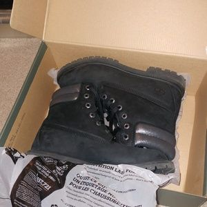 "TIMBERLAND | 6"" black sparkle nubuck leather boots"